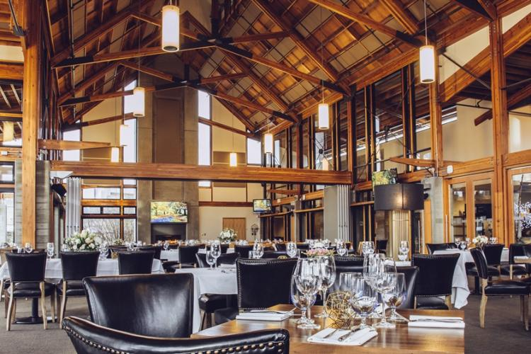 Riverway clubhouse dining room setup for a wedding